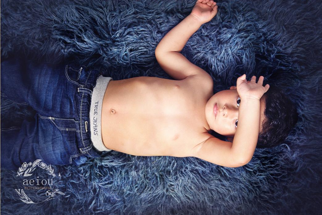 fotografo infantil barcelona reportajes infantiles sesion fotos niño estudio fotografia profesional niños